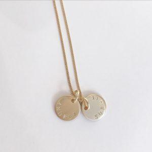 guldsmycke_namnsmycke_i_guld_coin