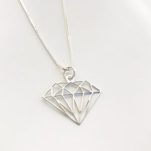 diamant till namnsmycke