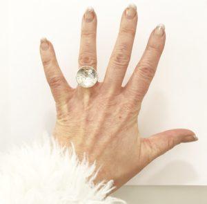 montecarlo_petite_namnring_hand