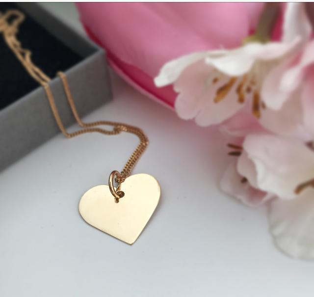 Guldhjärta med namn 18k namnhalsband 2b963032835f4