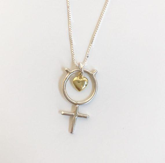 shedevil silverhalsband med guldhjärta
